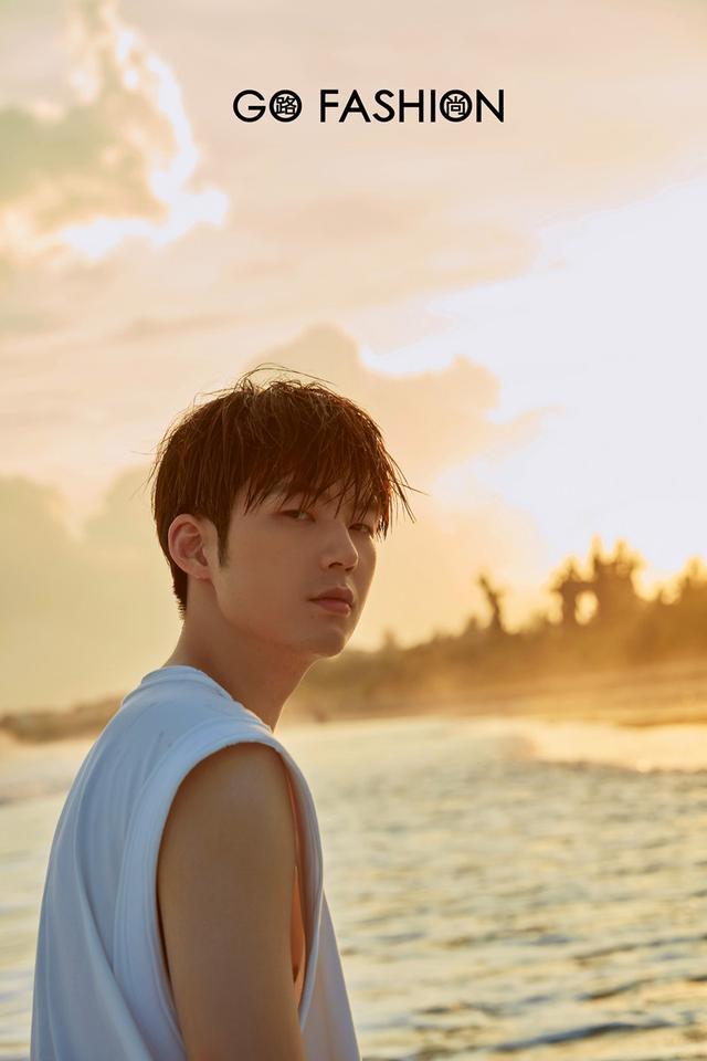GoFashion路尚携手演员董力,共赴阳光沙滩的三亚海岛之旅