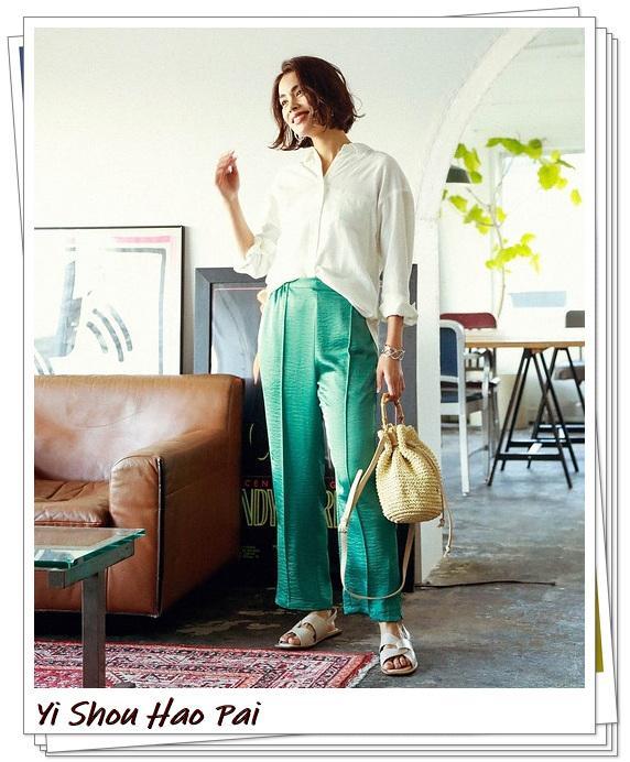 时髦的亚麻衬衫,夏天时刻都用得上,当作防晒开衫也很好看