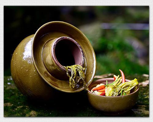 """想做四川""""泡菜""""四川师傅教你挑选好的泡菜坛,能用几十年!"""