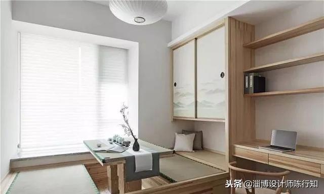 榻榻米床加书桌和衣柜