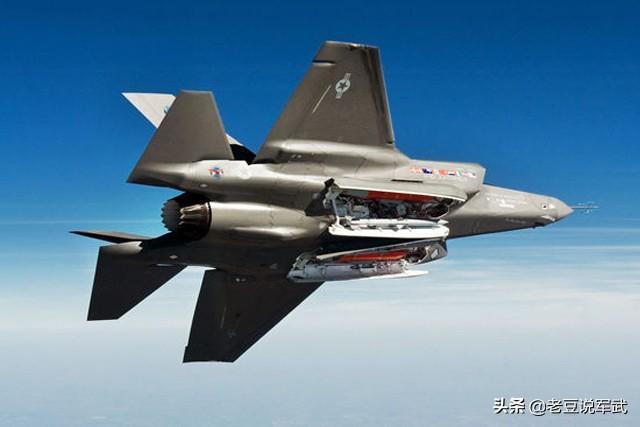 不愧是美国最新型战斗机,不仅可隐身,还能拦截巡航导弹