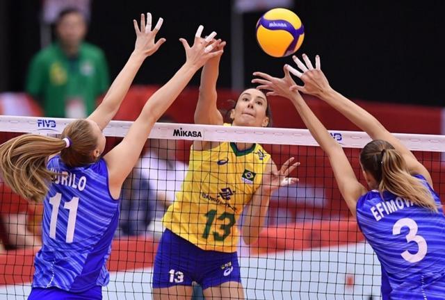 巴西女排3-1力克俄罗斯,冈察洛娃被限制,老将谢拉7扣0中