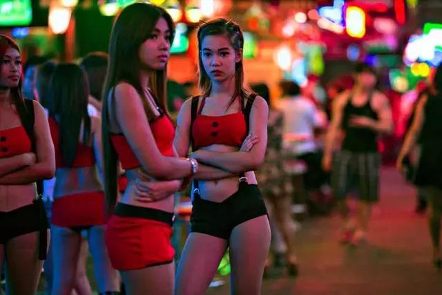 越战美军和越南少女