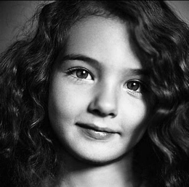 莫妮卡·贝鲁奇的女儿堪称升级版:地球之花终于后继有人!