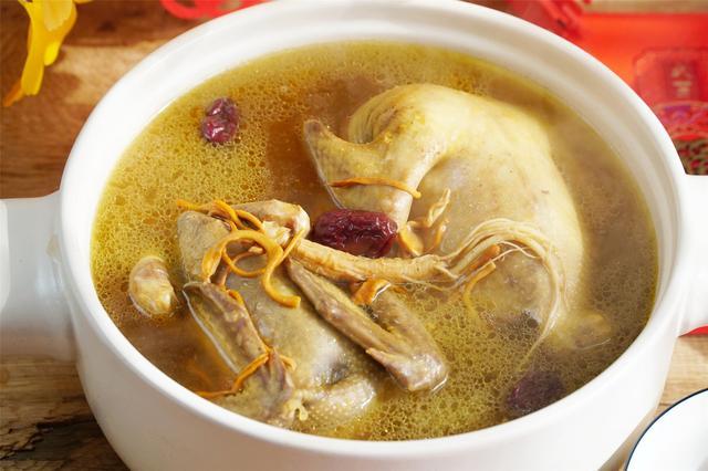 清炖鸽子汤的做法_清炖鸽子汤怎么做_禾小荷_美食杰