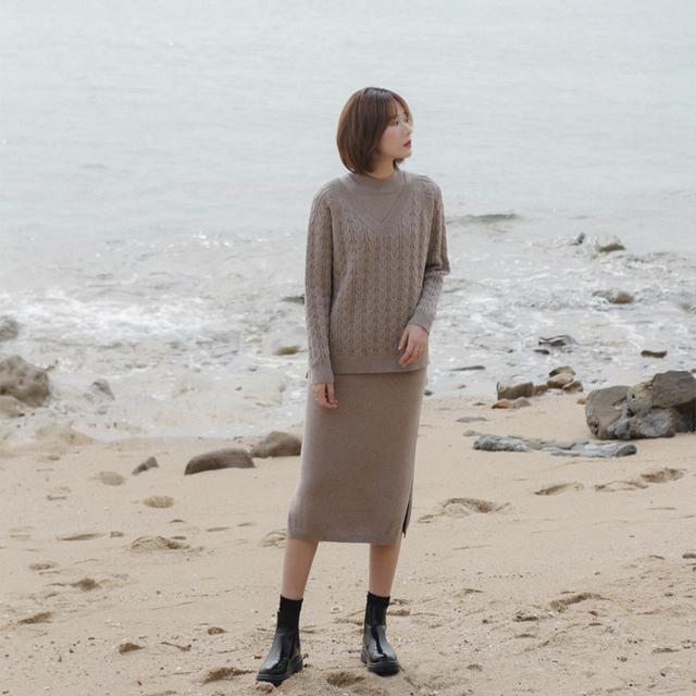 今年流行两件套针织毛衣裙,洋气保暖有气质