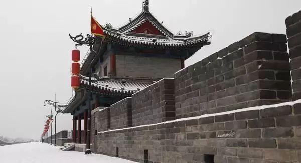 """西安的唐朝古墓挖出""""隋朝将军"""",考古专家:墓中侍女让人着迷"""