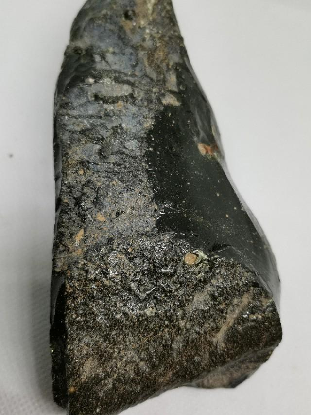 真正的玻璃陨石图片
