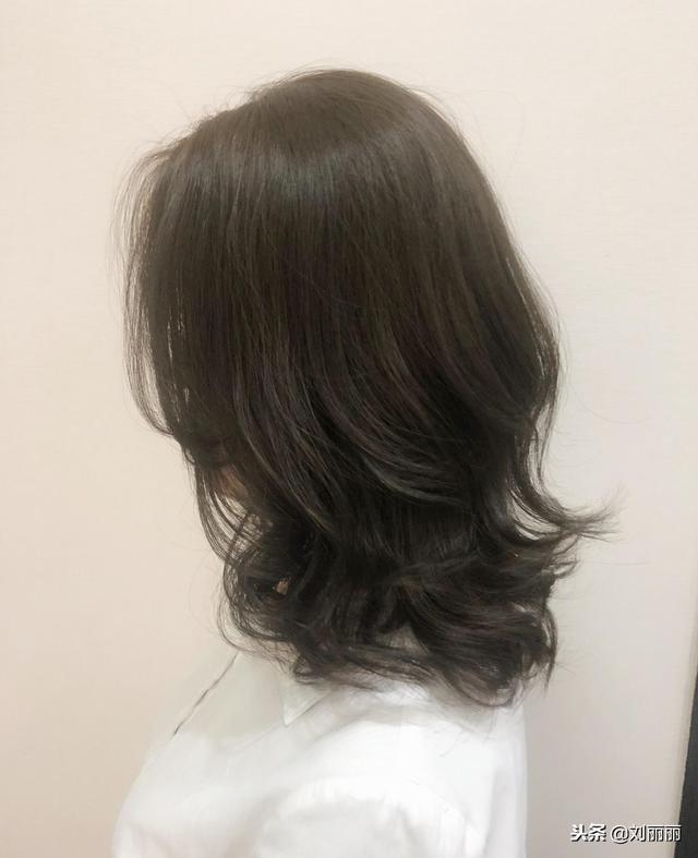 你绝对会爱上的发尾卷发发型