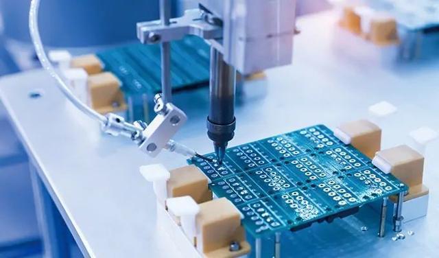 传闻华为有意转型IDM厂商,打造出自有芯片生产线?