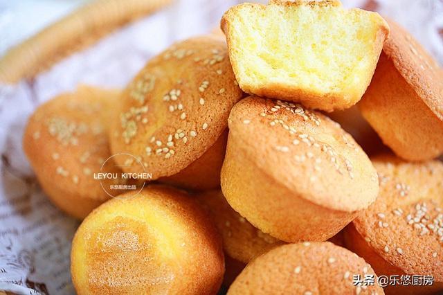 從小喜歡吃的蛋糕,家里有雞蛋、面粉、糖、油就能做,比買的還香