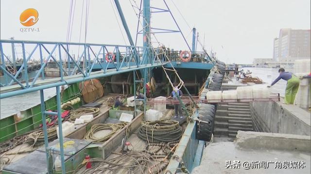 渔民捕鱼图片