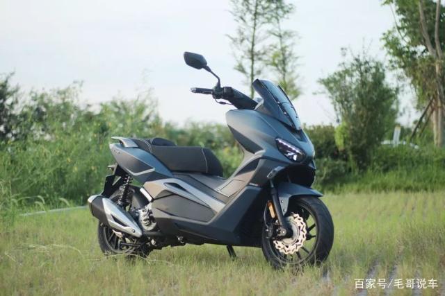 国产中大型踏板摩托车,下面就让小编介绍一下吧!-电动邦