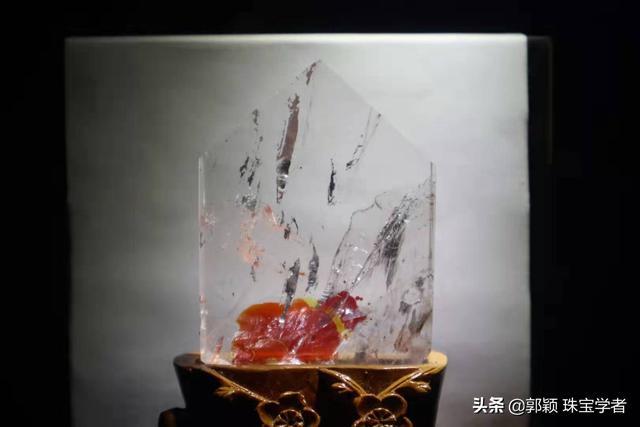高档红兔毛水晶图片