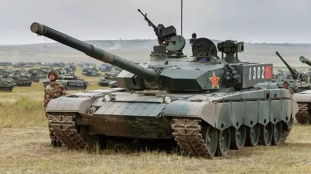 专家:99式坦克可媲美德豹2 在两千米内可击穿美制M1A2