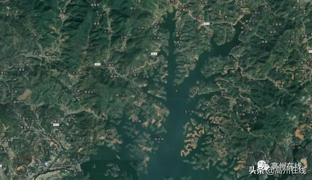 高州X616东岸旺村坡至大潮段路面即将改造,计划工期12个月