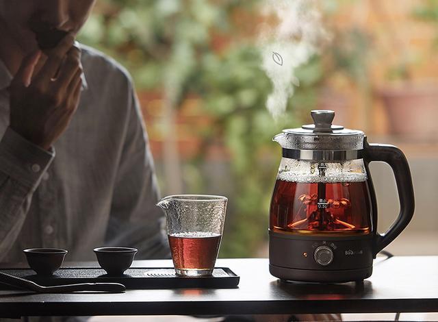 三五好友围炉煮茶图片