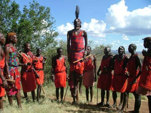 为什么非洲本来就热,非洲人还要进化成黑色皮肤呢?