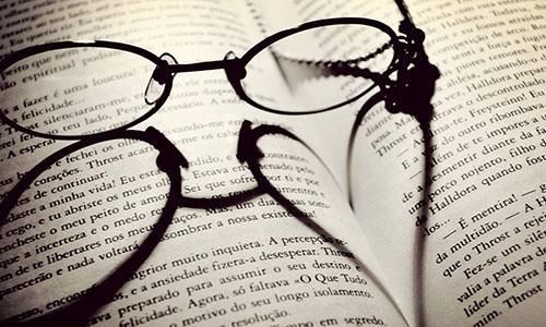 """眼镜行业的""""暴利""""被揭开,成本几十卖上千,实际利润有多少?"""
