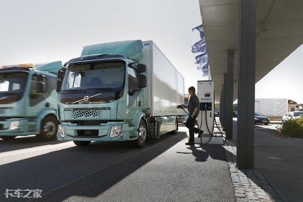 奔驰未来卡车2025内饰