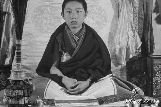 西藏喇嘛男红衣