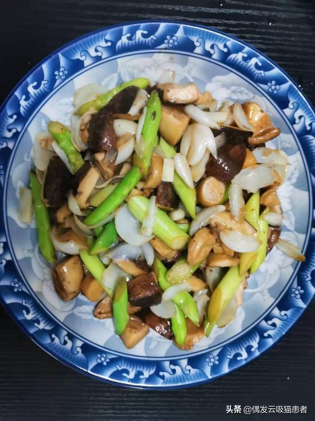 炒芦笋图片