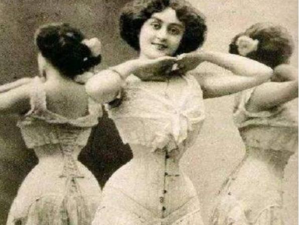 欧洲女性穿着习惯背后的辛酸泪,从束腰长裙风靡欧洲看待女权缺失