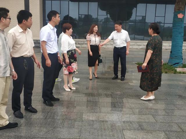 河南省汝州市万基高中2020年教师暑假培训拉开帷幕