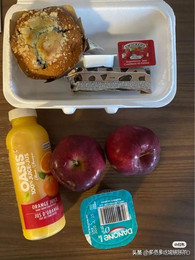 从国内回加拿大de隔离日记:隔离酒店每天吃的是这样的...