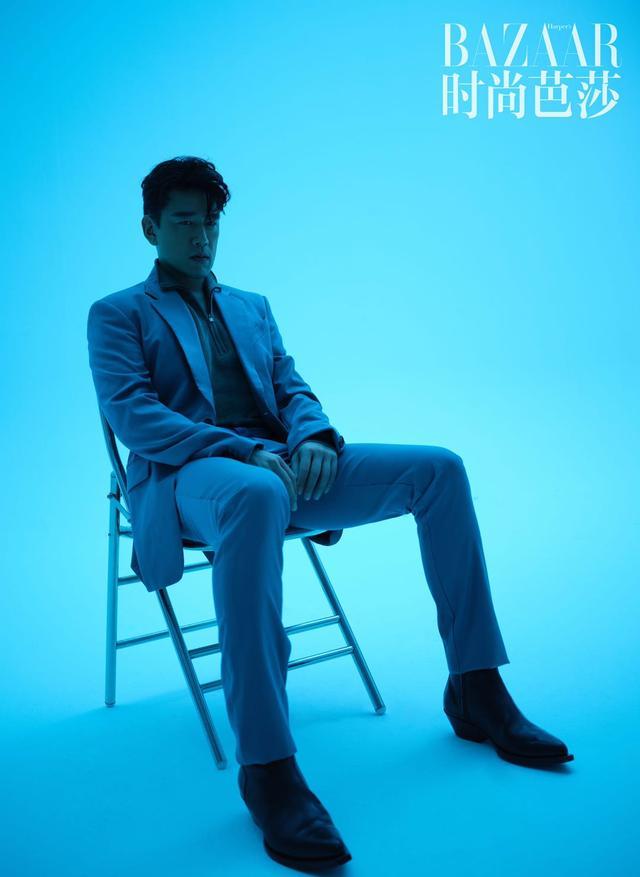 """王耀庆八月时尚芭莎大片释出""""精英男士""""尽显不同面"""