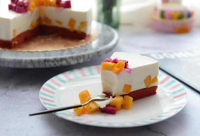 教你在家做酸奶慕斯蛋糕,口感豐富,細膩柔軟,入口即化