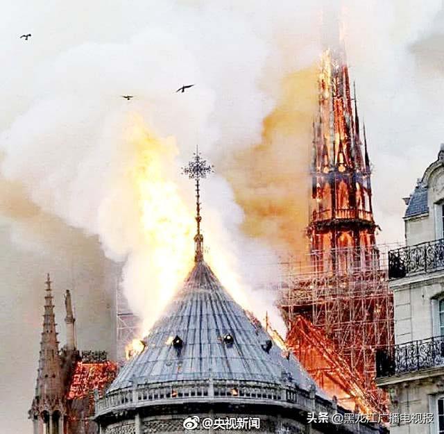 巴黎圣母院起火看见耶稣