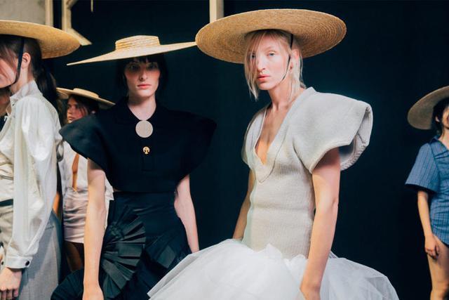 生活不必拥有太多--学做法国女人这几件衣服就够了! - ... - 豆瓣
