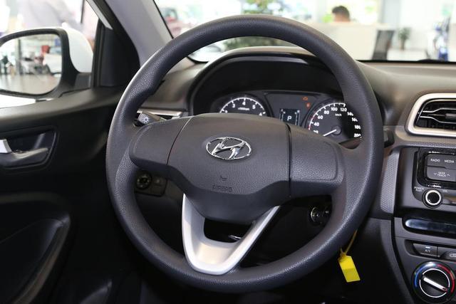 合资轿车4.99万起,油耗低又耐用,保养还便宜,现代瑞纳真香