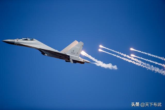 战斗力仅次于歼-20,海空军需求迫切,歼-16装备数量已超100架!