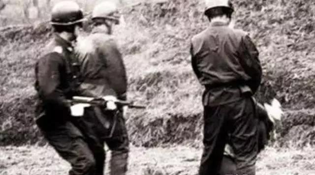 罕见老照片:日本鬼子举行杀人比赛,纳粹枪杀无辜群众
