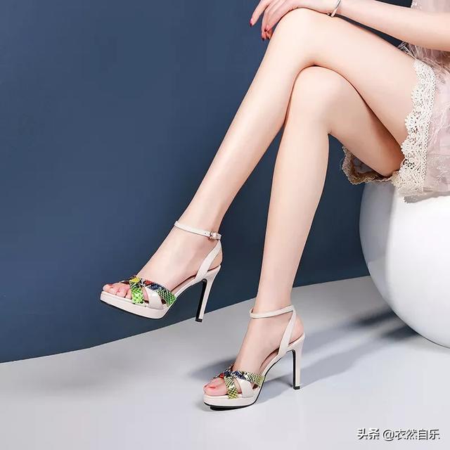 凉鞋女款坡跟鞋图片