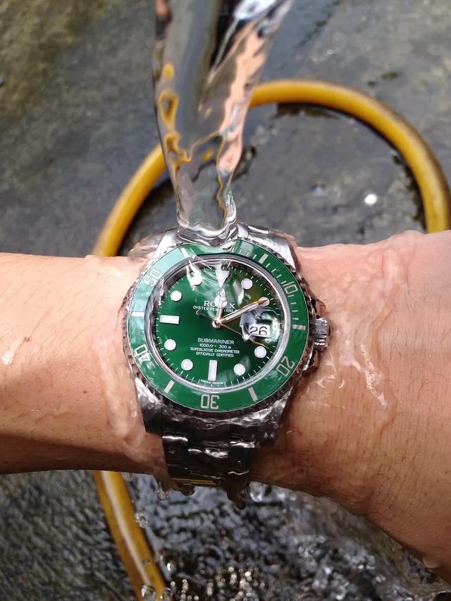 论腕表,谁也逃脱不了腕间的那一抹绿
