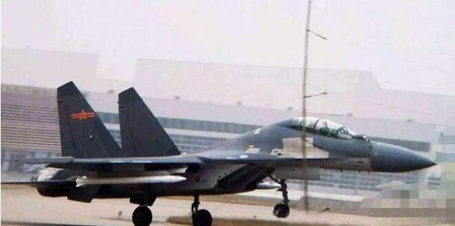 歼16电子战机有多强:干扰距离翻倍,优于美军EA-18G
