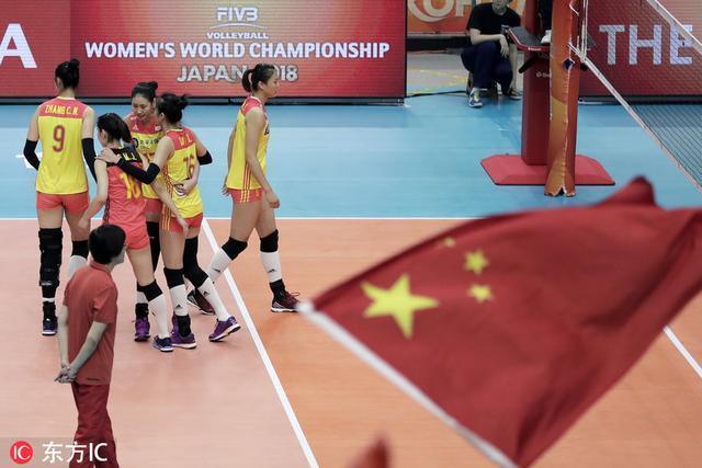 离获胜只差一点点!中国女排2-3负意大利 遗憾离场难掩失落