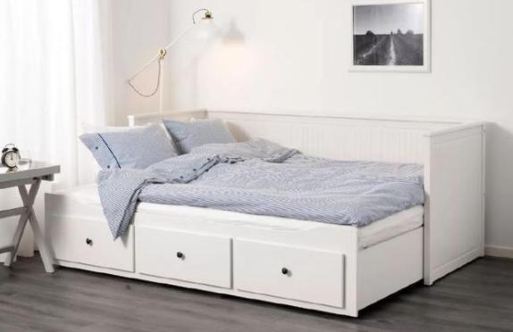 榻榻米卧室装修小户型