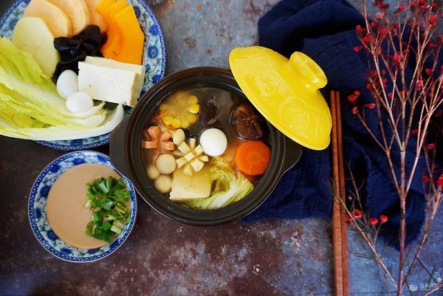 巴坤菌汤火锅图片