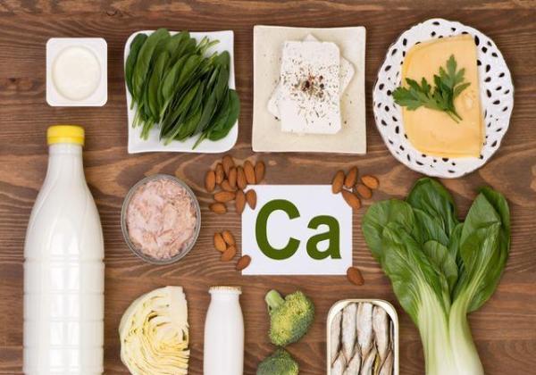 一说补钙就熬骨头汤?其实这些食物含的钙更多