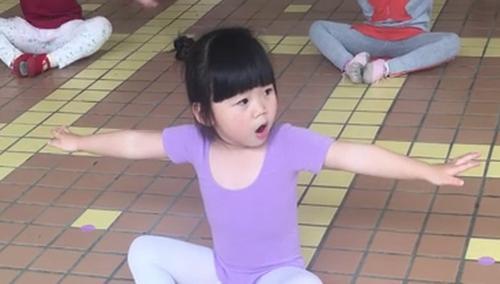 《爸爸去哪儿6》萌娃精选:欢迎来到吴亦轩的舞蹈教室