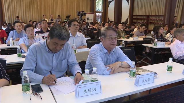 聚焦中美贸易战_财经_凤凰网