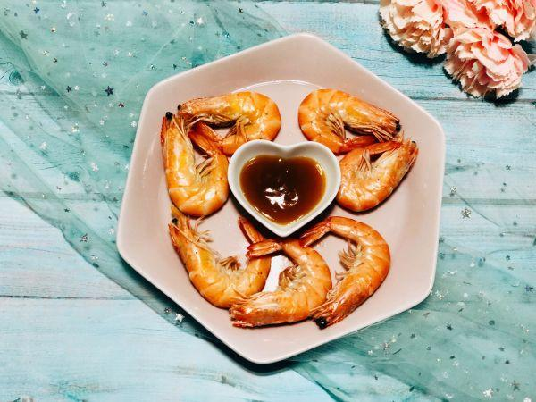 白虾和青虾的区别