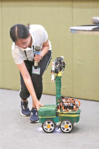 青少年机器人创意设计