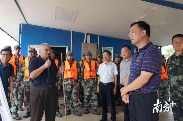 东莞市应急管理局局长张志强率队指导市轻舟应急抢险队训练