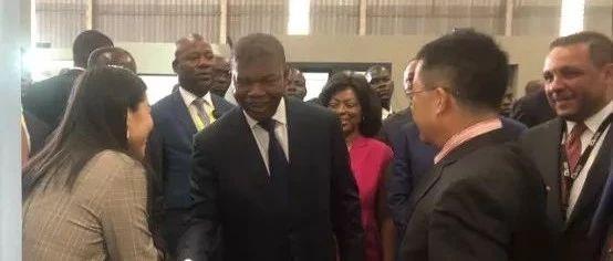 安哥拉总统应邀抵京 开始对中国进行为期4天访问_中国政府网