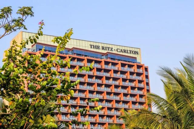 探店国内首座丽思卡尔顿高尔夫度假酒店,看不到海也值得来